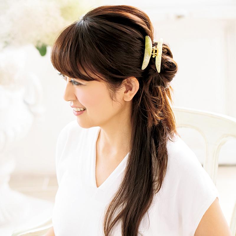 夏におすすめ♡しっかり留まる【acca(アッカ)のヘアクリップ】一個でできるスタイリング剤要らずの簡単まとめ髪4アイデア