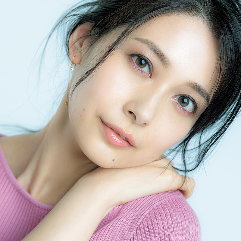 【マルチカラーパレット】1つで3つの顔に!ヘアメーク向井志臣さんがつくる2019年夏のコンサバメーク