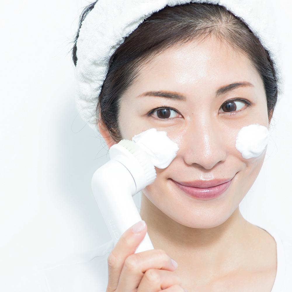 「毛穴」は洗顔で取り去る!