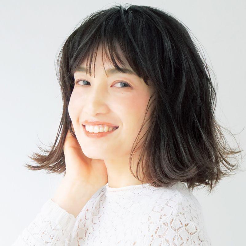 【40代の2021年最新髪型】小顔効果抜群!結べるパッツンボブ【ミディアムヘア】