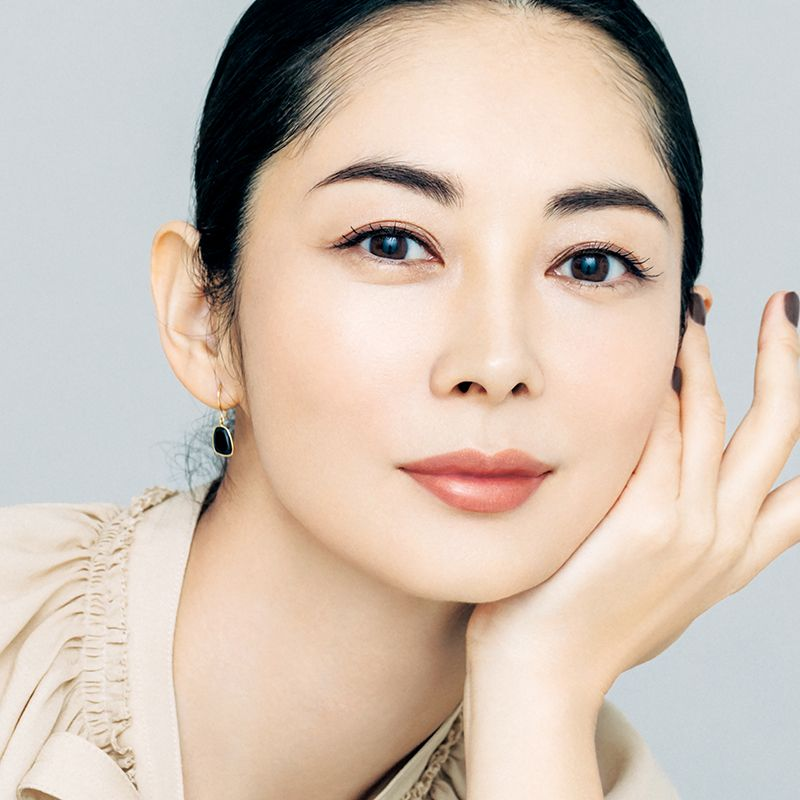 伊東美咲さんも1本で美肌に!【BBクリーム】でつくる新時代のベースメーク