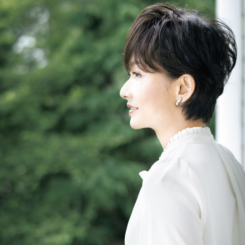 還暦でビキニ撮影! 女優・斉藤慶子さん美の秘訣4つ