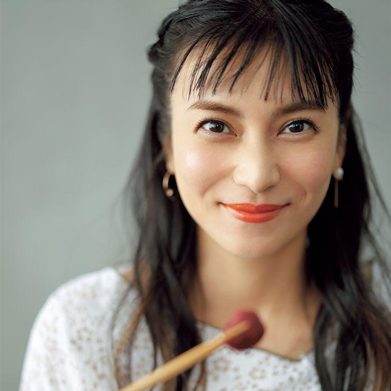 女優・柴咲コウさん ヘルシーを楽しむ【インナービューティ】【ボディケア】【ヘアケア】