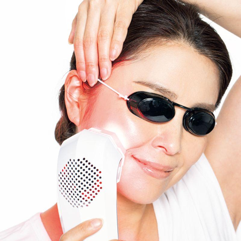 【1日10分でOK】1台で肌、髪、歯までケアできる!究極のLEDマシン【レディッチ トリプロ】登場