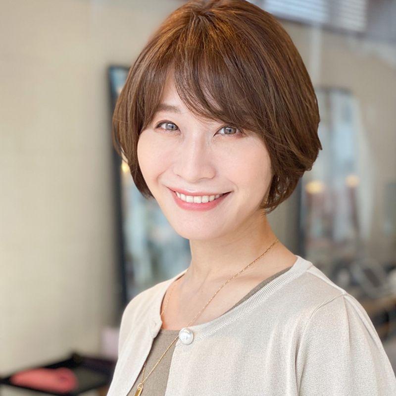 【40代の2021年最新髪型】伸びてきてもサマになるレイヤーボブ|大人の週末ヘアカタログ