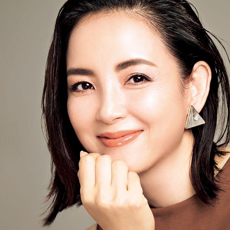 【超詳細プロセス付き!】尾花ケイコさんの40代の美人見え秋冬アイメーク
