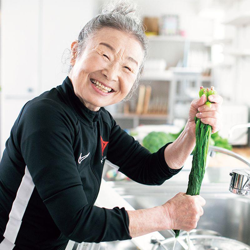 日本最高齢フィットネスインストラクター 瀧島未香さん(90歳)|野菜&タンパク質もりもりのイキイキ食生活