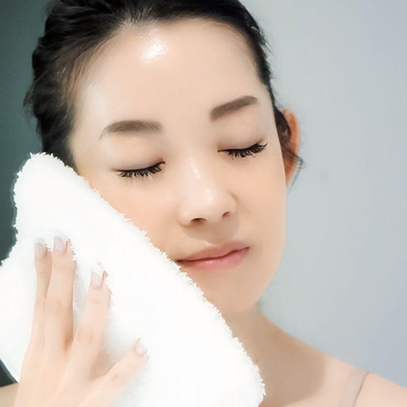 お風呂やメーク断食で肌代謝UP!美容家・深澤亜希さんの秋の【肌デトックス】習慣