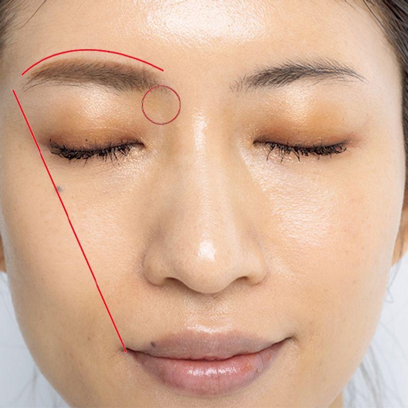 【美魔女が変身!】眉メークで「顔が険しくなってきた」は解決します|岡野瑞恵さんの若見えメーク