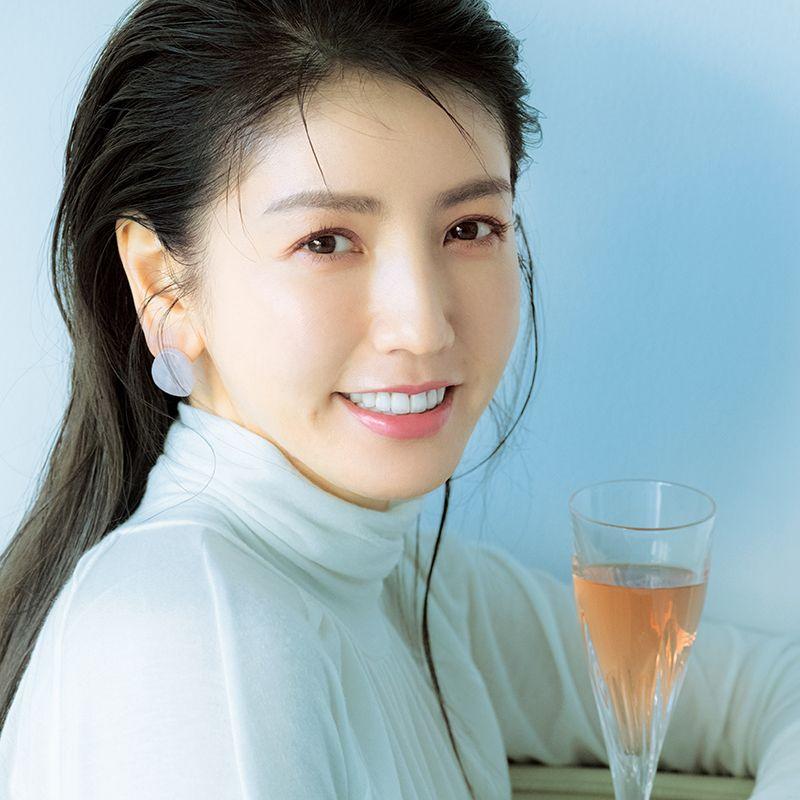 冬のレザーコーデがグッとかわいく♡2021年【春の新作桜色コスメ】7選