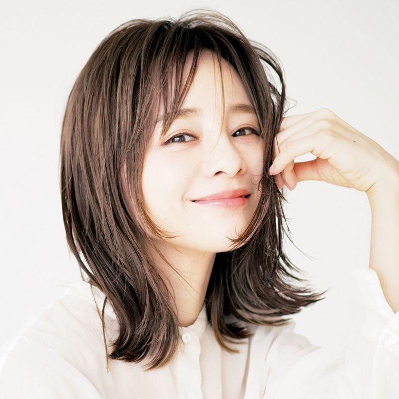 【40代の2020年最新髪型】田中亜希子さんの抜け感外ハネヘア【ミディアムヘア】