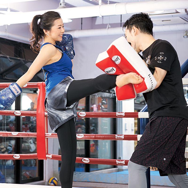 【40代から始めるスポーツ③】全身を燃やす!【キックボクシング】で憧れの腹筋をもう一度