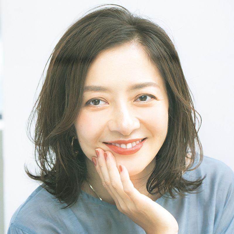 【40代の2021年最新髪型】トップふんわり白髪カバー重軽ヘア【ミディアムヘア】