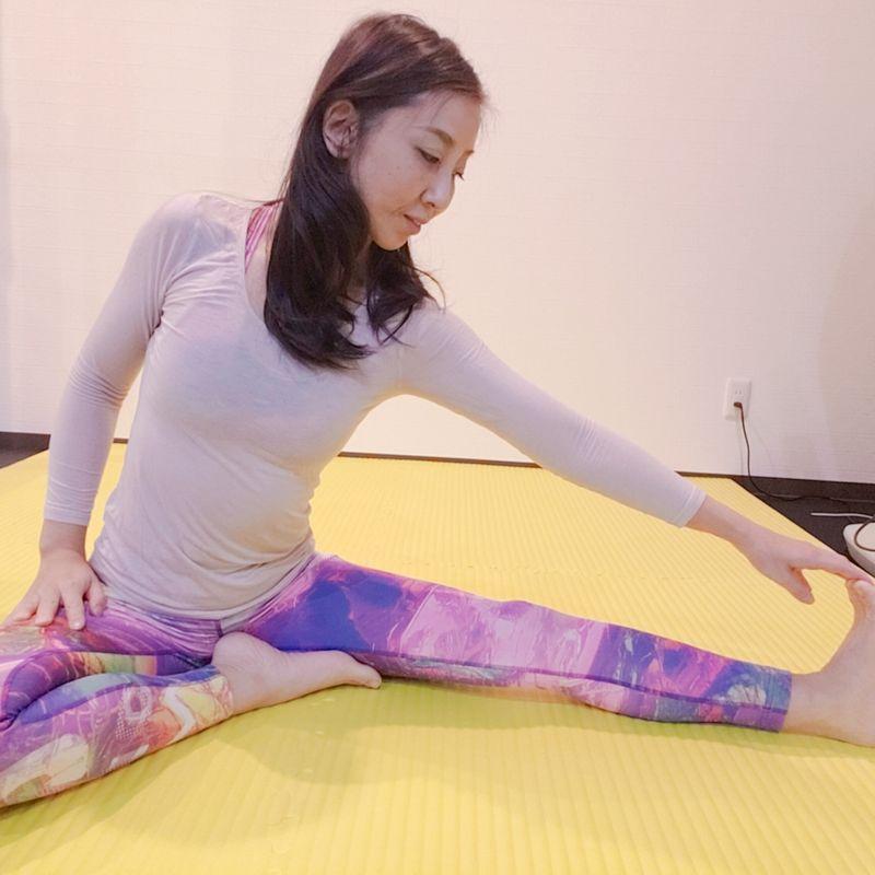 エクササイズ(2)下肢美脚ストレッチ