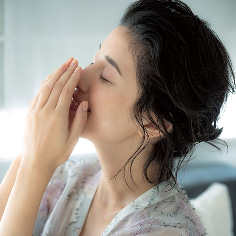 <塗るだけ・嗅ぐだけ>女性ホルモンを活性化させる【幸せホルモンコスメ】ベスト4