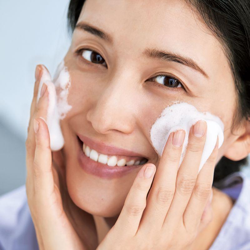 人気急上昇!【石鹸オフメーク】のための正しい4ステップ洗顔法