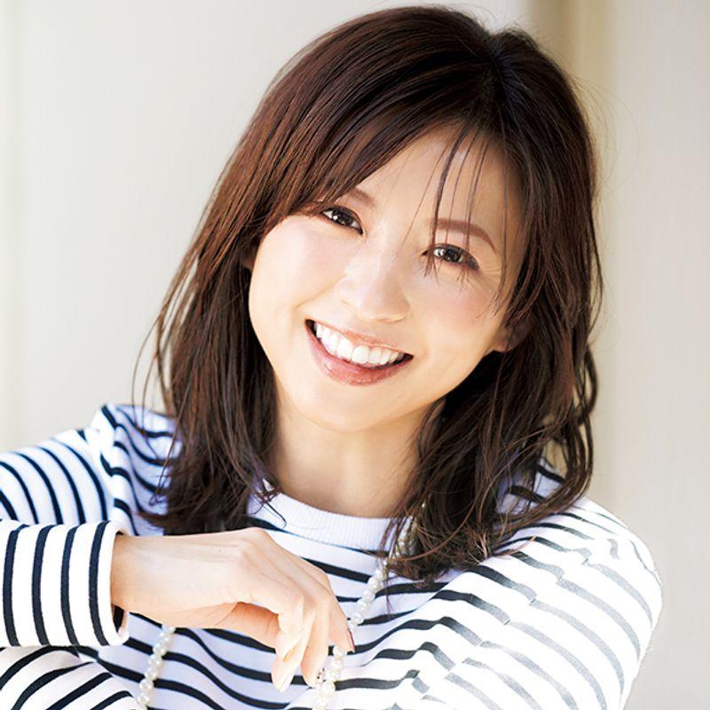 【40代の2020年最新髪型】美STモデル・小畑由香里さんの最新小顔バングス【ミディアムヘア】