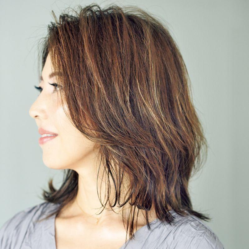 白髪を生かす【シャンパンカラー】で40代の白髪問題はおしゃれに解決できる!