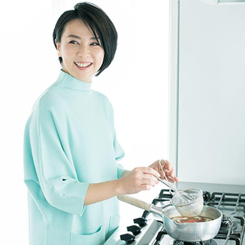 肌にいいものをいっぱい入れた岸紅子さんの【美肌味噌汁】の作り方