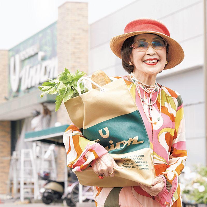 60歳からおしゃれデビュー! 92歳美ばあば 近所のスーパーでもおしゃれとメークは万全に