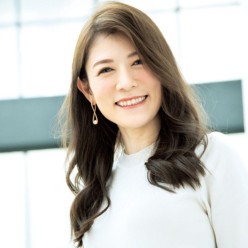 【40代の2020年最新髪型】ぺたんこ解消!軽やかかきあげヘア【ロングヘア】