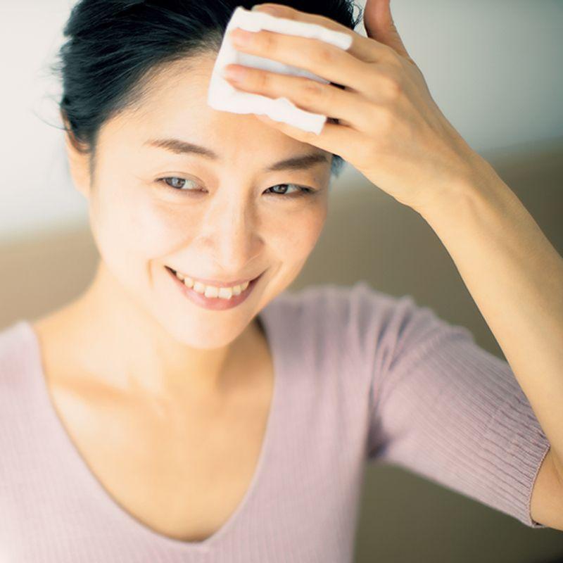 深澤亜希さん厳選・黄ぐすみを取り去る【美容液ピーリングコスメ】5選