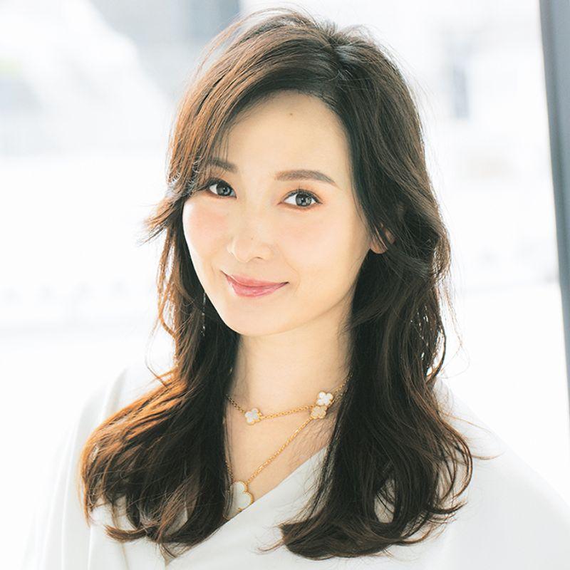 【40代の2021年最新髪型】韓国発の根元パーマでトップふんわり白髪カバーヘア【ロングヘア】