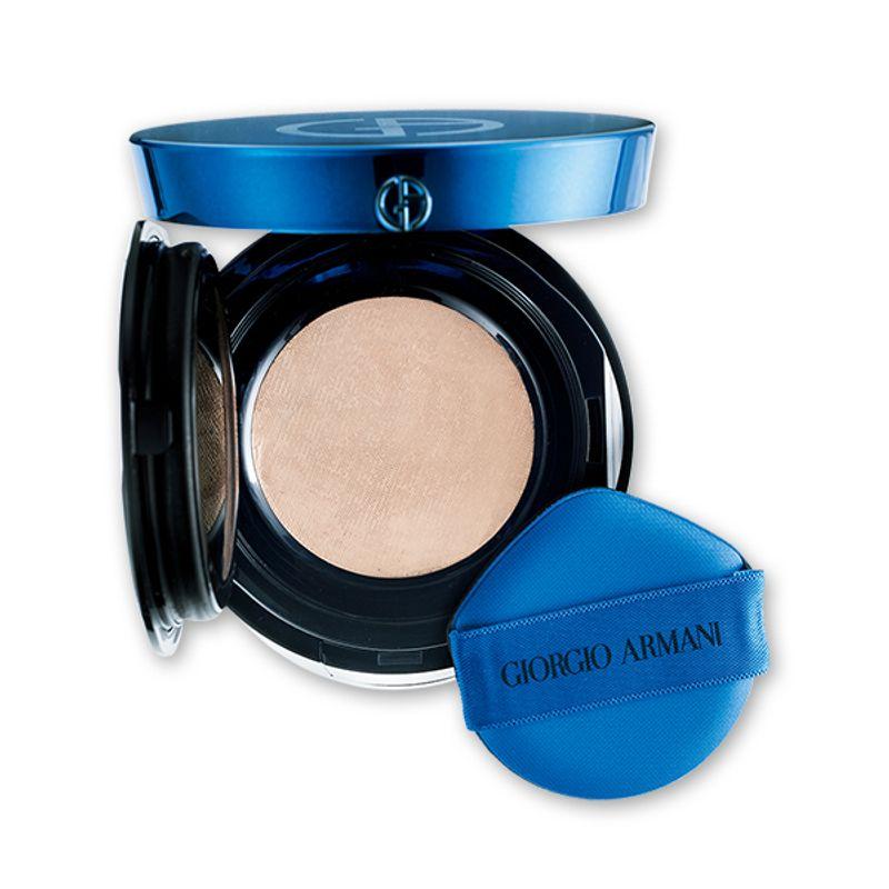 【3/27発売!】秘めたブルーが放つ輝きと透明感でくすみのない澄み肌に GIORGIO ARMANI beauty デザイナー メッシュ クッション