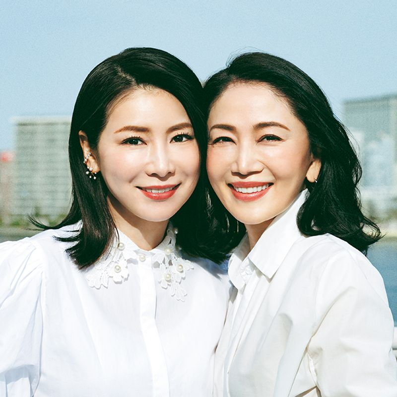 笑顔が素敵なアラフィフ代表・水谷雅子さん&坂村かおるさん、笑顔が歪んでいないのはなぜ?